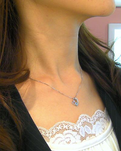 誕生石&天然ダイヤモンド付 ダブルハートネックレス 装着イメージ